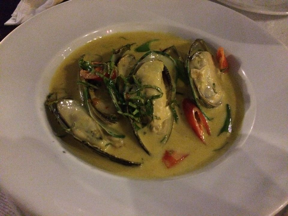 NZ Mussels with Red Curry Cream Sause THB340