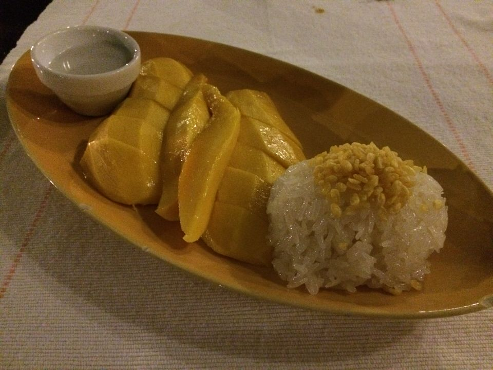 Mango & Coconut Sticky Rice THB260