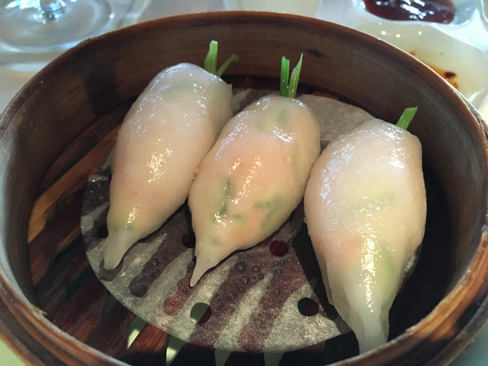 Water prawn and zucchini dumpling (通常 9ドル)