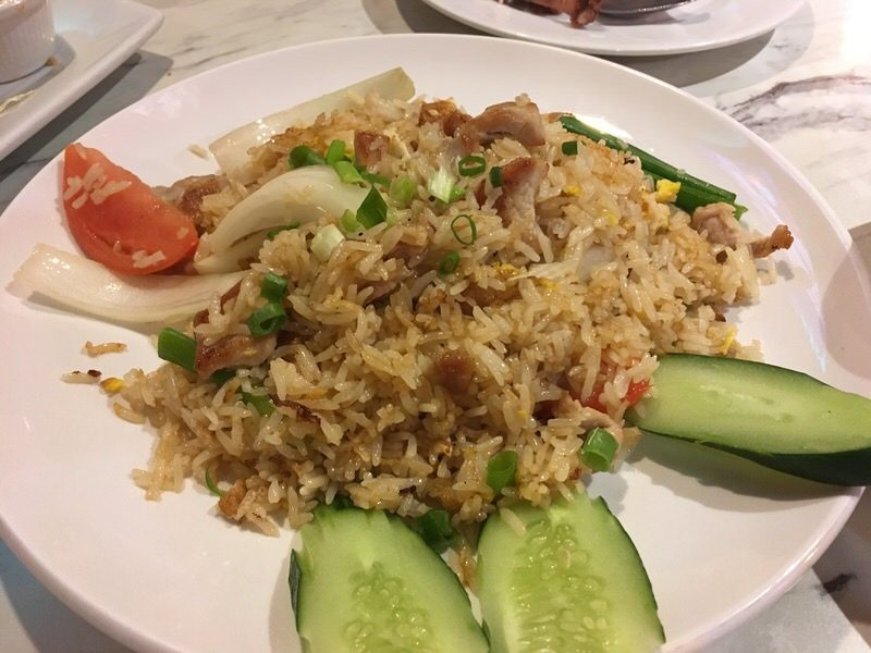 51. Thai-style Fried Rice (Kao Pad) with Pork 12.99ドル