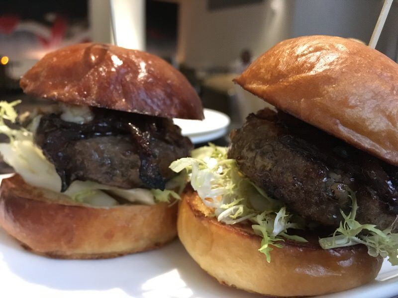 お肉大きめのWagyu & Foie Sliders